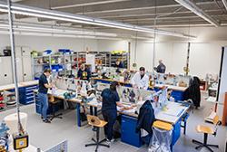 In unserer Werkstatt in Wetzlar fertigen wir Orthesen & Prothesen individuell für Sie